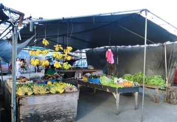 野菜や果物売り場.jpg